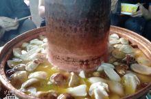 野生菌铜火锅味道巴适得很