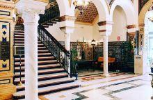 塞尔维亚最漂亮最奢华的酒店  去到一个地方玩的开不开心主要还是看住的怎么样,住的舒服了哪怕景点不怎么