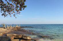 奇妙的海岸风光,宛如山水画卷    浦富海岸是我见过海水最清澈的一处地方,我每次在这片海岸的浅水区就