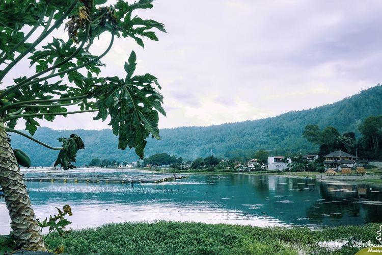 바뚜르 호수4