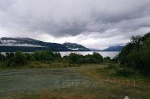 新西兰南岛第六天行程:皇后镇—蒂阿瑙—米尔福德峡湾—皇后镇。  从皇后镇开车去米尔福德峡湾要4个多小