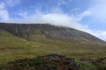 苏格兰高地的美景真的需要你亲身来体会。虽然天气很多变,一会儿阳光明媚,一会儿又狂风大作,接着就下起暴
