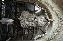 从景点里阅读欧洲历史-人骨教堂