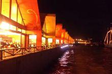 说到吃海鲜的地方,当首推沈家门,酷暑天气沈家门的晚上却是凉风习习,完全无需空调,坐在海边吃海鲜看夜景