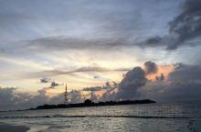 雨季去马代,日出日落一般是不要想看到了,这天勉强算是看到了日出吧。