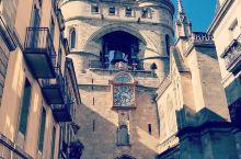 优雅壮丽的波尔多大钟门,一座罕见的建筑   波尔多是法国一个值得去的城市,这座城市是古老的城市,保留