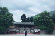 在平武,有座深山宫殿— 报恩寺,历史悠久…… 在平武,有一家清真食店— 孟不比 已有30年历史 不仅