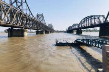 新旧两座桥,一个座代表历史,一座代表未来!