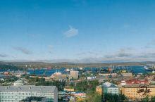 """摩尔曼斯克是北极圈内最大的城市,因北大西洋暖流的恩赐,成为冰天雪地世界里的""""终年不冻港"""",以极夜、极"""