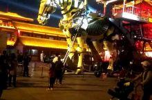 河南开封清明上河园广场景区!!! 拍摄于  2019年10月13日  晚上8点20分 中华巨马!!!