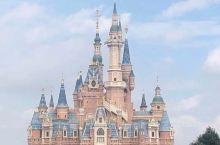 过了十一假期狂热之后    后一周去了上海迪士尼。给大家安利有攻略呀。 项目推荐:飞跃的地平线(一定