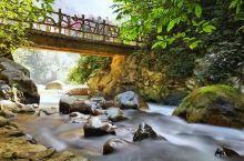 通灵大峡谷,在靖西县,非常值得去,冬天去水量小可以钻进瀑布后面。