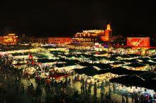 德吉玛广场  又称不眠广场,就是一个大集市,规模没想象中大,但是确实别具风情。拍摄两点提示,一个是天