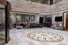 光彩丽锦园大酒店很有特色,服务态度好