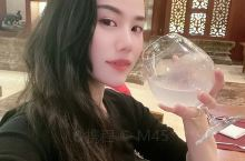 实在是喜欢这种东南亚装修风格的酒店,行政酒廊里的西点也是相当美味,听着 景洪·西双版纳 音乐,喝着小