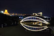 南宁国际会展中心位于广西壮族自治区首府南宁市发展迅速的青秀区中心地带,总建筑面积约48万平方米,包含
