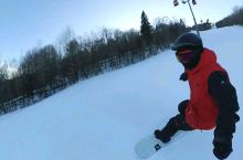 滑雪已入坑,视频不是我,是我的教练,生活中有些害羞,滑起雪来却帅翻了的小鲜肉! 【景点攻略】 详细地