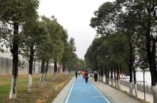 """班超出塞:海上丝绸之路  新疆轮台,班固《汉书》曾称为""""仑头""""。今天在广州经过:仑头  根据一带一路"""