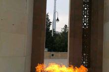 巴库,火焰——塔,我不知道该叫它什么名字,就在标志性建筑flame tower对面。