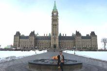 加拿大国会山 渥太华的知名景点非常集中,基本都集中在国会山附近和sussex street上,加拿大