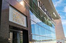 Capital Grille美国一家很有名的西餐厅,在全美有8到9家连锁店,餐厅装修风格独具一格,位