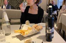 一位德国朋友推荐的意大利餐馆,66这次的米兰之行几乎都在购物中度过。简直就是在烧钱啊!最后一天终于感