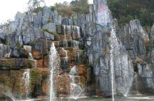 龙女湖景观喷泉