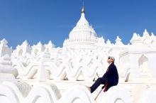 缅甸巨型奶油蛋糕塔