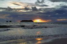 安东尼奥国家公园的美景!不光有各种各样的动物,还有海滩美景和各种各样的植物,还有幸欣赏到绝美的日落,