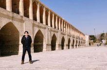 前些年去过波斯的伊斯法罕。绝对是个不错的旅游胜地。从广州有直飞德黑兰的飞机。然后可以打车到伊斯法罕。