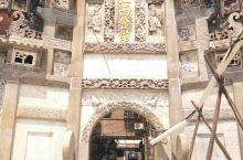 湘潭·江西会馆  位于湘潭市雨湖区平政路,现在只剩下这个牌坊,里面是老小区,  清末民初,在贸易往来