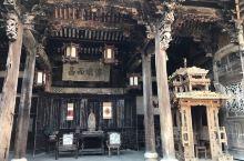 前童是江南古镇之一,位于浙江宁海县,镇子不大,有很多古建筑,其中泽思居虽然不出名,但里面的木雕很精美