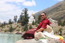 四川省甘孜藏族自治州德格县玉龙拉措的旅游