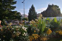网红法国小镇,悠闲,只是当天排队和浪费路程有点远。适合居住养老