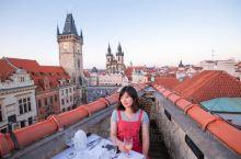 布拉格必体验——Terasa u prince天台餐厅,其black angel bar是全世界排名
