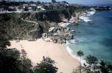 住在巴厘岛阿雅娜度假村里的房客才可以来这个私家库布海滩(Kubu Beach)玩。坐酒店的摆渡车过来