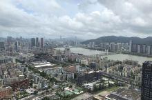 自從港珠澳大橋通車後, 珠海和坦洲, 中山等地方便更加發展快速了, 高樓建得一个比一个華麗, 价格也