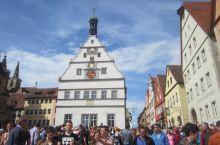 罗滕堡是德国保存中世纪风貌最完整的一个小城,非常的具有中世纪的浪漫情调。罗滕堡的德文含义是红色城堡,