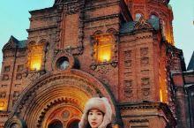 东北的冬天真的不冷啊,夜幕下哈尔滨的圣索菲亚教堂很美丽,长白山的风景震撼我了。