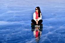 贝加尔湖(俄语:Озеро Байкал,英语:Lake Baikal),位于俄罗斯东西伯利亚南部,