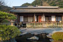 仙岩园 内池塘、小桥、石灯笼等搭配有序,达到移步换景的效果,既有日本庭园之美,又受中国文化影响,是日