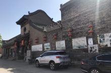 太古曹家大院,里面居然还有仇英的清明上河图。太古老街破的不成样子了,但白塔还非常漂亮。