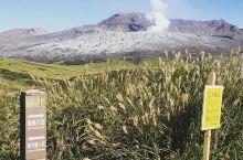 天苍苍,野茫茫——日式草原草千里  大地震后阿苏这边的游客并不是很多,一路过来也没有见到什么游客或者