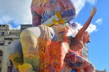 瓦伦西亚火节:瓦伦西亚是西班牙第三大城市,每年3月15日至3月19日举行举行法亚火节,这是西班牙传统