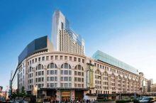 大阪难波地区购物的绝佳去处——高岛屋百货 难波在大阪甚至整个日本都算的上是一个非常繁华的商业区,难波