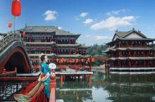 横店镇,为东阳市辖镇,位于浙江省中部,处东阳市的中南部,位于北纬29°05′23″~29°13′17