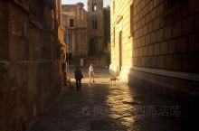 西西里岛首府巴勒莫,学建筑的你了解吗?由于历史长河的积淀,巴勒莫号称世界建筑博物馆。意大利文豪但丁称