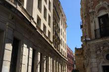 """塞维利亚作为西班牙南方最大的城市,有""""南方第一都会""""的美称,是安达卢西亚自治区的首府。作为一座历史悠"""