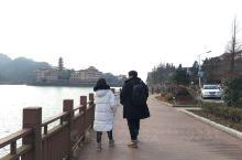 我们是一路开车去的九宫山,从武汉出发到咸宁市区的温泉大约三个小时不到,先泡个温泉舒服下,然后下午开车