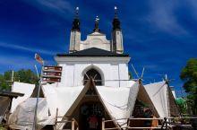 赛德莱兹人骨教堂、圣母巴尔波拉大教堂和意大利造币城堡,均在离布拉格不远的库塔纳霍拉小镇,它是捷克三个